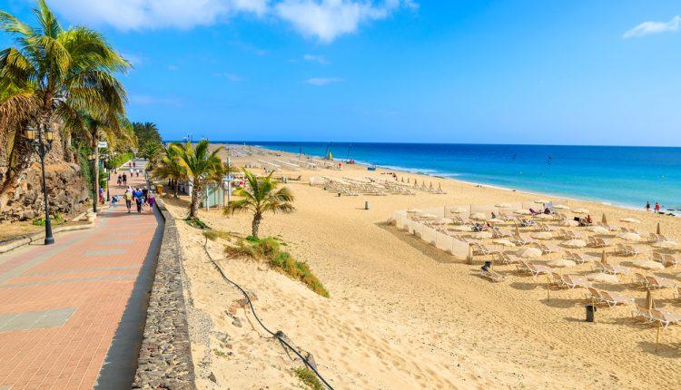 Frühling auf Fuerteventura: 4,5* Hotel inkl. HP, Flug, Rail&Fly und Transfer ab 256€