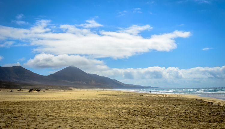 Lastminute: 1 Woche Fuerteventura im 4* Bungalow inkl. Flug, Transfer und Rail&Fly ab 374€
