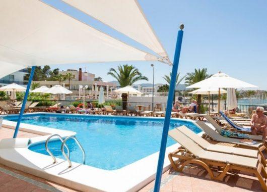 Eine Woche Ibiza inkl. HP, Flug, Rail&Fly und Transfer ab 326€