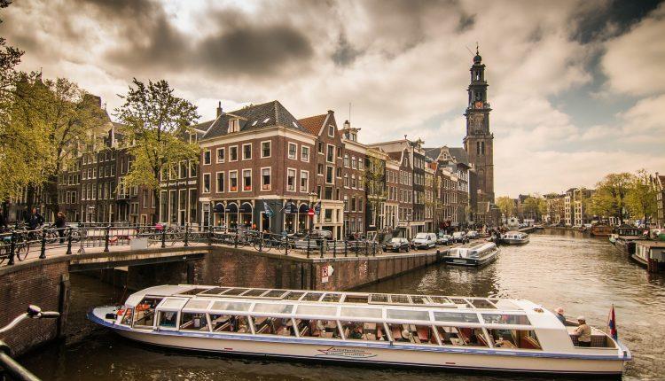 3 Tage Amsterdam im 4* Hotel inklusive Frühstück, Spa und Flughafentransfer ab 79€