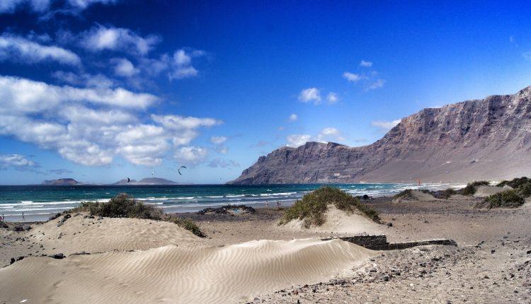 Eine Woche Lanzarote im 3* Apartment mit Flug und Transfer ab 308€
