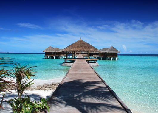 2 Wochen Malediven im 4,5* Resort mit Vollpension, Flug und Transfer ab 1777€