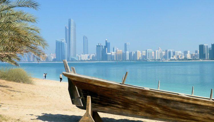 Anfang Juli: 1 Woche Dubai im beliebten 4*Hotel mit Flügen, Transfers und Frühstück für 525€