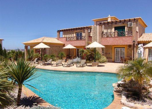 1 Woche an der Algarve im Oktober: Tolles 3* Hotel inkl. Frühstück, Flug und Mietwagen ab 322€