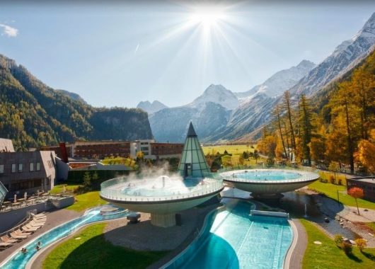 Wellness in Tirol: 4,5* Hotel inkl. Halbpension und AQUA DOME Therme ab 156€