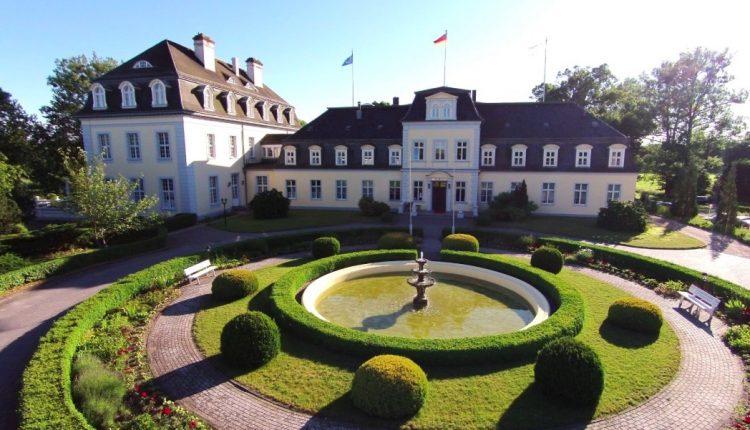 Black Friday-Week: Übernachtung im 4* Schlosshotel Gross Plasten inkl. Frühstück & Wellness ab 39,50€ p.P.