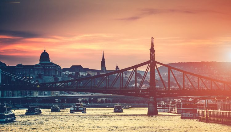 3 Tage Budapest im 4* Hotel inkl. Frühstück oder Dinner und Late Check Out ab 119,99€, 4 Tage ab 199,99€