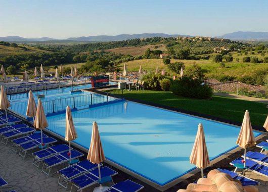 Toskana im Herbst: 7 Tage im guten 4*Hotel inkl. Flug & Rail&Fly für 325€ (ab 381€ mit Frühstück)