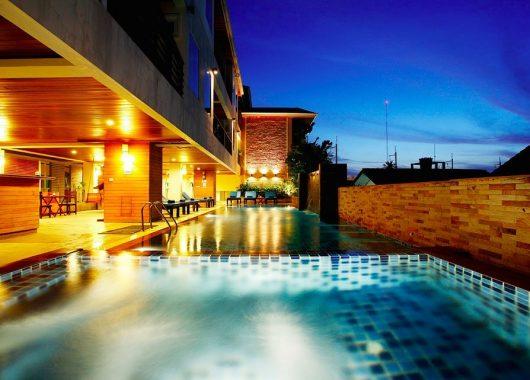 15 Tage Phuket inkl. Hotel, Flug, Transfer und Zug-zum-Flug ab 799€
