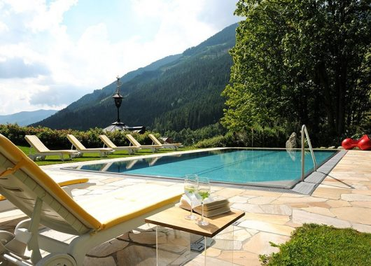 3 Tage im 4* Hotel Saalbacher Hof inkl. Halbpension, Wellness & Aktivprogramm mit Yoga und Nordicwalking  ab 179€