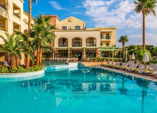 Super Last Minte: Eine Woche Samos im 4* Hotel inkl. HP, Flug und Transfer ab 347€
