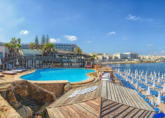1 Woche Malta im sehr guten 4* Hotel direkt am Strand inkl. Frühstück, Flug und Transfer ab 455€