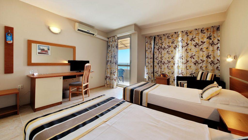 Hotel Excelsior_room