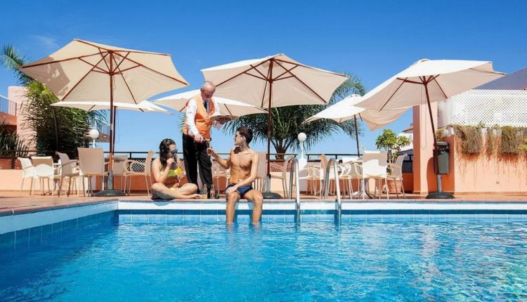 1 Woche Teneriffa im 2* Hotel inkl. Halbpension, Flug, Transfer und Rail&Fly ab 254€