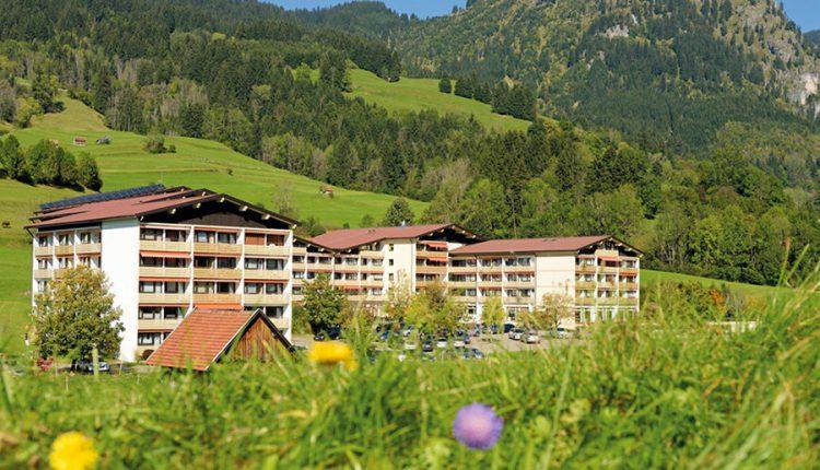Allgäu: 3 Tage im 3*S Hotelresort mit Halbpension und Wellnessangeboten für 139€