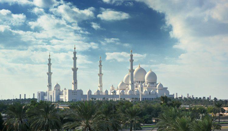 1 Woche Abu Dhabi im 4* Hotel inkl. Frühstück, Flug, Rail&Fly und Transfer ab 440€