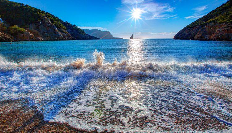Ibiza: Eine Woche im 3* Hotel inkl. Flug und Transfer ab 305 Euro pro Person