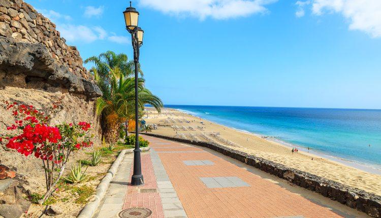 Fuerteventura: 1 Woche Last Minute ins 4*Hotel mit All Inclusive, Flug, Zugticket und Transfer ab 241€