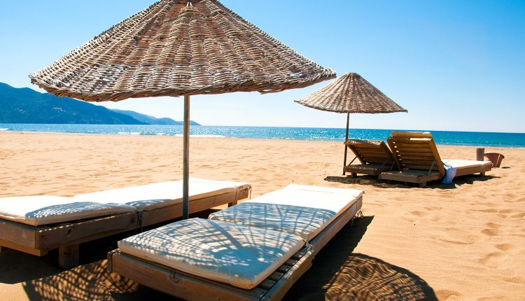 Last Minute an die Türkische Riviera: Eine Woche im 3* Hotel mit All In, Flug und Transfer ab 175€