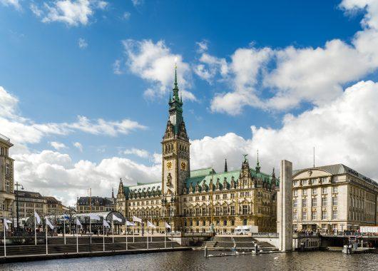 Hamburg: 3, 4 oder 5 Tage im 4* Hotel inkl. Frühstück, Dinner, alsterSPA und ÖPNV-Ticket ab 127,50€