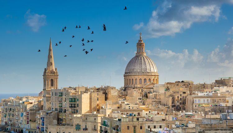 Last Minute Malta im November: 1 Woche im 4*Hotel inkl. Flügen, Transfers, Rail&Fly und Frühstück ab 254€