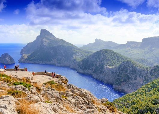 Mallorca: 9 Tage im sehr guten 4* Hotel, Flug, Transfer, Rail & Fly und HP ab 346€