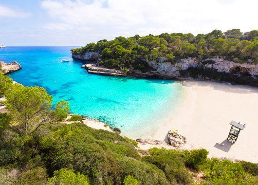 1 Woche Mallorca im neuen 4* Hotel inkl. Frühstück, Flug, Rail&Fly und Transfer ab 313€