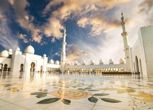 Frühbucher: 1 Woche Abu Dhabi im 5* Sheraton Hotel inkl. Frühstück, Flug, Rail&Fly u. Transfer ab 599€