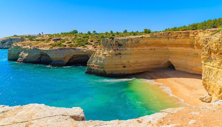 Dezember: 1 Woche Algarve im 4*Hotel mit Flügen, Frühstück und Transfers ab 289€