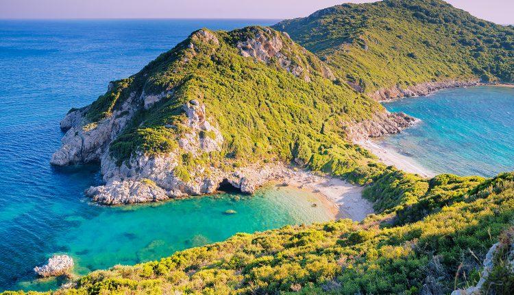 Eine Woche Korfu im 3* Strandhotel inkl. HP, Flug, Rail&Fly und Transfer ab 366€