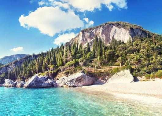 Sommer auf Korfu: 1 Woche im 3*Resort inkl. Flug und Transfers ab 304€