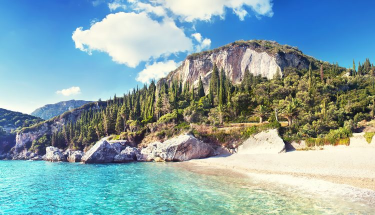 5 Tage Korfu im Oktober: 3* Apartment, Flug und Transfer ab 302€