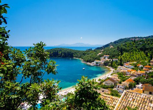 Korfu: 1 Woche im guten 3*Hotel inkl. Flug, Rail&Fly und Frühstück ab 336€