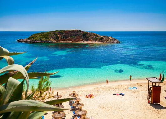 1 Woche Mallorca im April: 4*Hotel, Flug, Frühstück und Zug zum Flug ab 255€