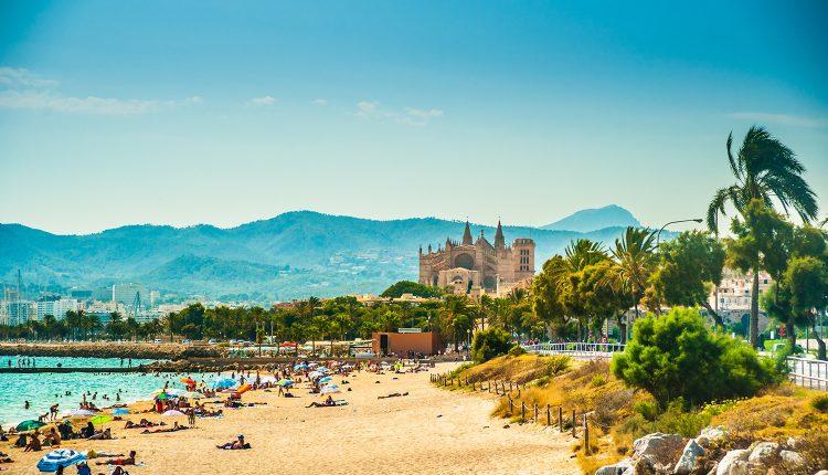 Februar: 1 Woche Mallorca im 4*Hotel inkl. Flügen, Transfers, Rail&Fly und Halbpension für 298€