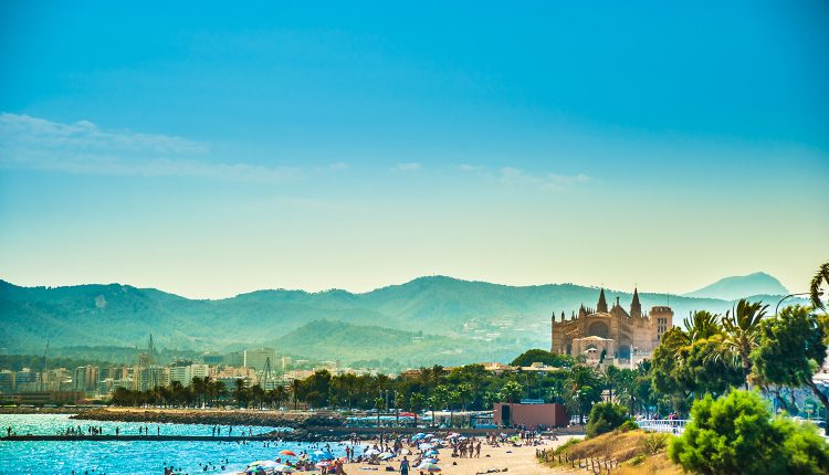 Eine Woche Mallorca im 4* Hotel inkl. HP, Flug und Transfer ab 376€