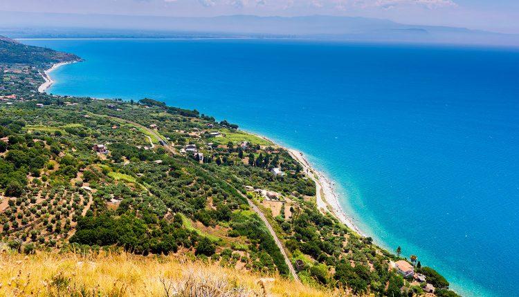 1-wöchiger Urlaub in Kalabrien im 3*Hotel inkl. Flügen und Frühstück ab 220€
