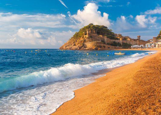 Costa Brava: 1 Woche im 4*Hotel inkl. Flug und Frühstück ab 253€
