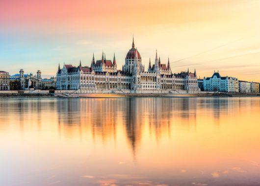 Luxus in Budapest: 3 Tage im top 4*S Hotel mit Flug und Frühstück ab 208€