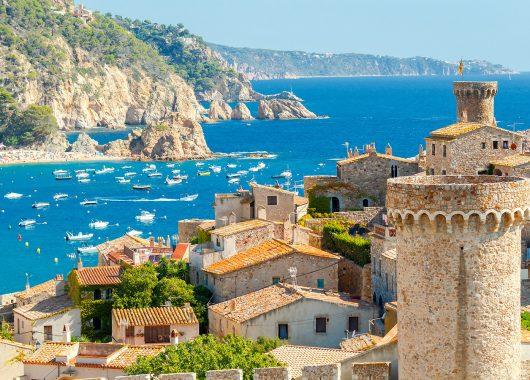 Fly & Drive: 6 bis 8 Tage Katalonien mit Flügen, Hotels, Frühstück und Leihwagen für 299€