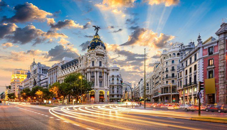 Madrid: 3 bis 5 Tage im zentralen 3*Hotel mit Flügen und Frühstück ab 149€