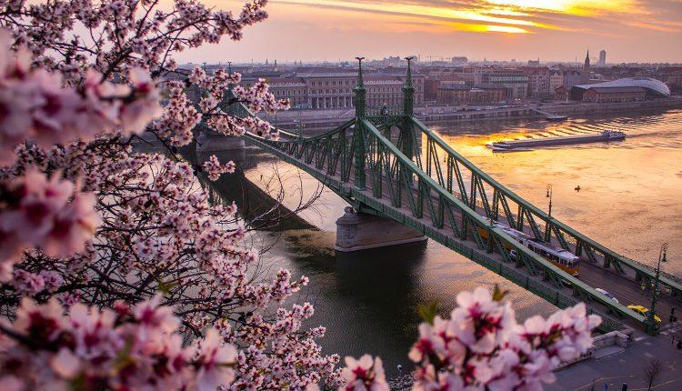 4 Tage Budapest: 4* Hotel, Flug und Frühstück ab 119€
