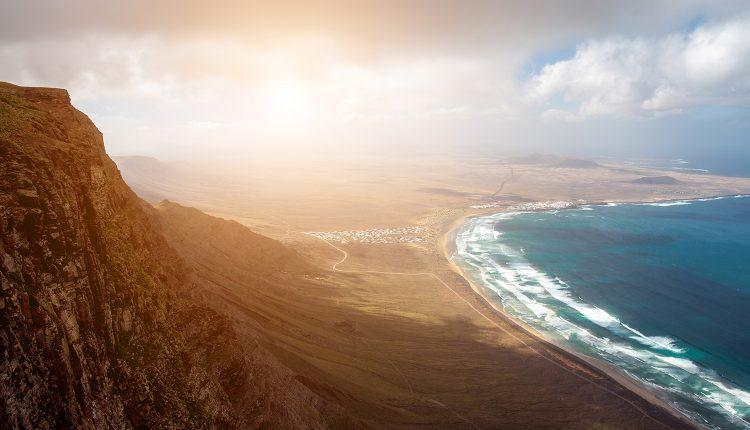 Lastminute: 1 Woche Lanzarote im 4* Hotel inkl. Frühstück, Flug und Transfer ab 423€