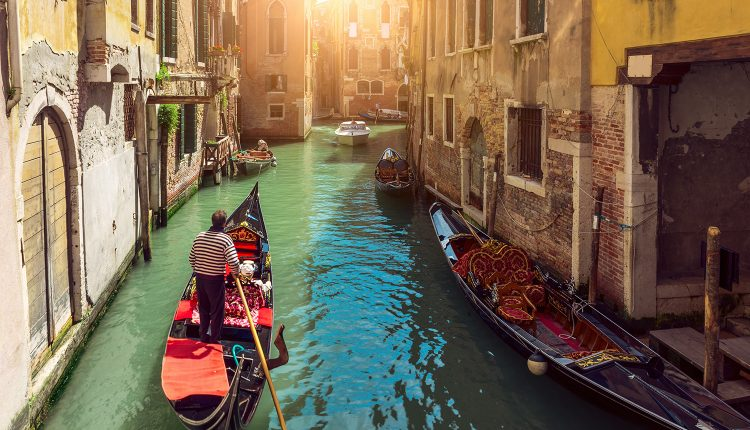 Individuell nach Venedig: 4 Tage im privaten Zimmer inkl. Flug ab 112€ pro Person
