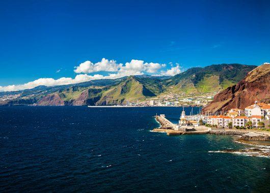 Madeira: 7 Tage im guten 3* Hotel inkl. Flug, Transfer, Zug-zum-Flug und Frühstück für 346 Euro