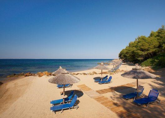 Eine Woche Chalkidiki im 4* Hotel inkl. HP, Flug, Rail&Fly und Transfer ab 366€
