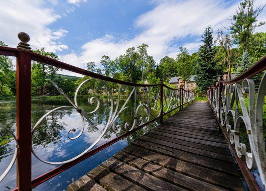 Erzgebirge: 3 Tage im 4*Schlosshotel mit Frühstück, Romantik-Menü und Wellness für 19€