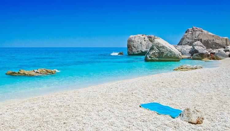 Sardinien: 5, 8 oder 14 Tage im 4*Hotel an der Südküste inkl. Flügen und Frühstück ab 169€