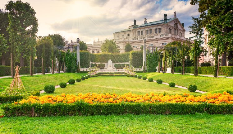 Wien: 9 Tage im guten 4* Hotel inkl. Flügen, Transfers und Frühstück ab 422€