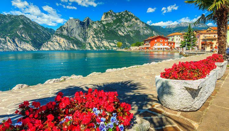 4 bis 8 Tage am Gardasee im 4*Hotel mit Frühstück, Weinprobe, Kochstunde und Wellness ab 159€